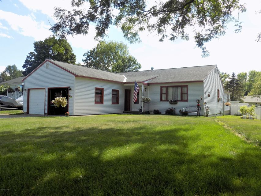 13 Thornberry Drive, Glens Falls, NY 12801