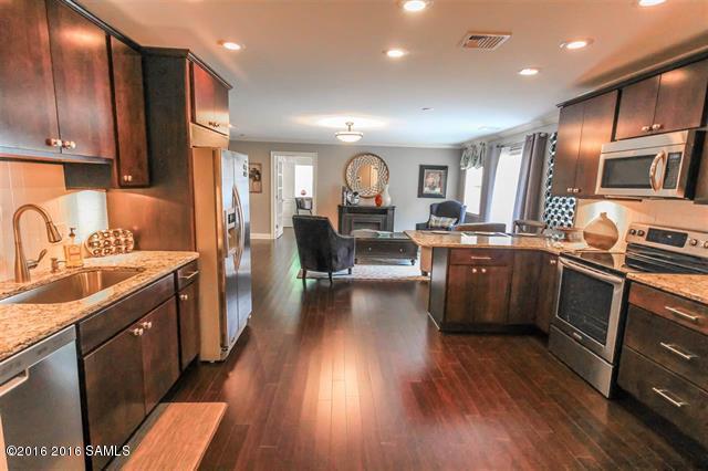 93 Maple St, 302, Glens Falls, NY 12801