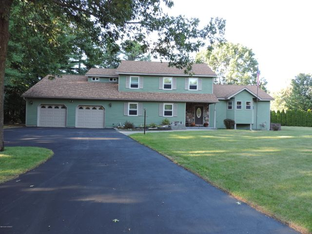 3 Grouse Circle, Queensbury, NY 12804