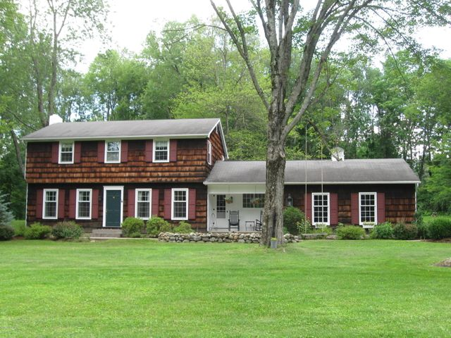 10 Stonewall Drive, Queensbury, NY 12804