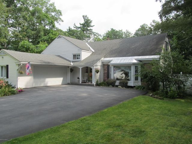 9 Mannis Place, Queensbury, NY 12804