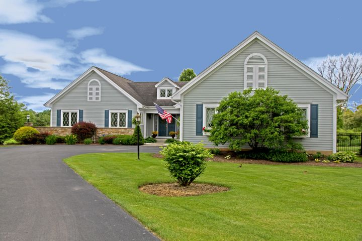 18 Heritage Point, Queensbury, NY 12804
