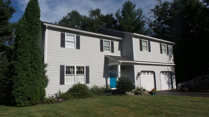 13 Heresford Lane, Queensbury, NY 12804