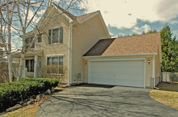 2 Scrimshaw Lane, Lake George Vlg, NY 12845