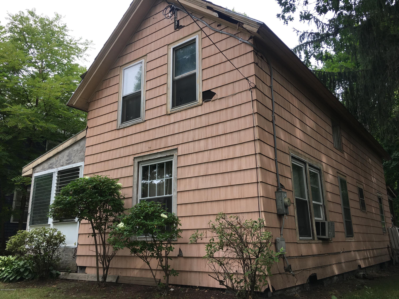10 Woodlawn Avenue, Glens Falls, NY 12801