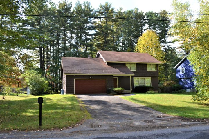 24 Jerome Avenue, Queensbury, NY 12804