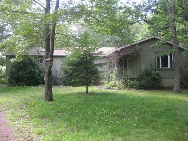 1307 MEADOW RUN Rd, Bear Creek, PA 18702