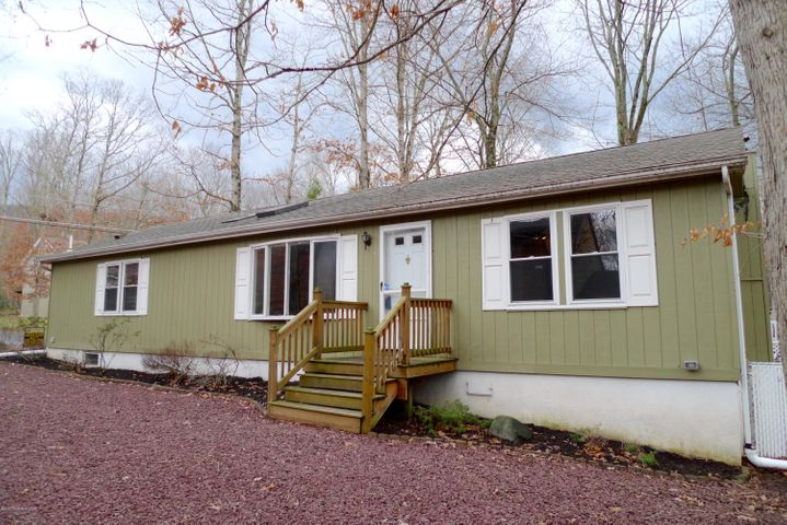128 Buck Ridge Lane, Drums, PA 18222