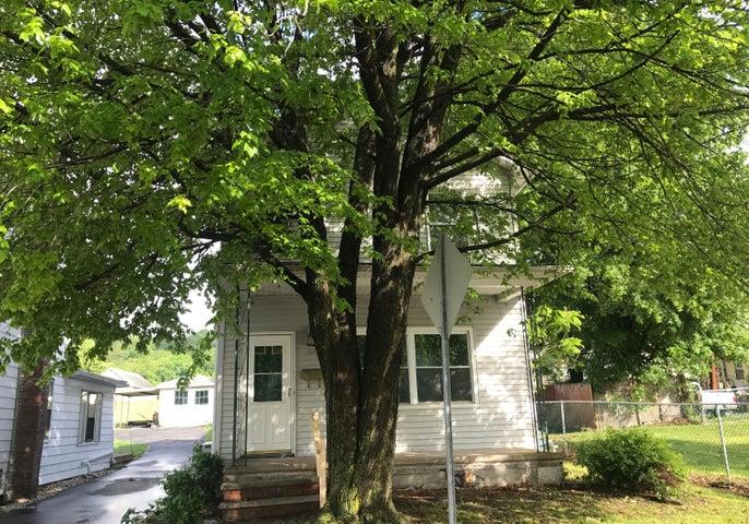 92 Franklin St, Edwardsville, PA 18704