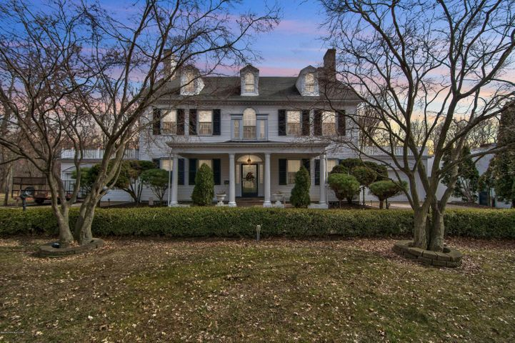 1577 Wyoming Ave, Forty Fort, PA 18704
