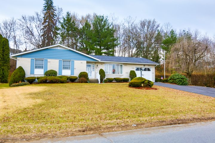 22 Griffith St, Hughestown, PA 18640