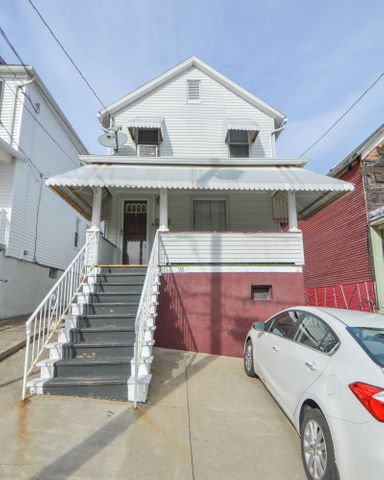 98 Gilligan Street, Wilkes-Barre, PA 18702