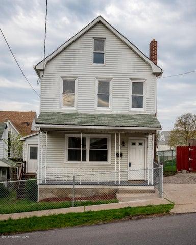 221 Hanover Street, Nanticoke, PA 18634