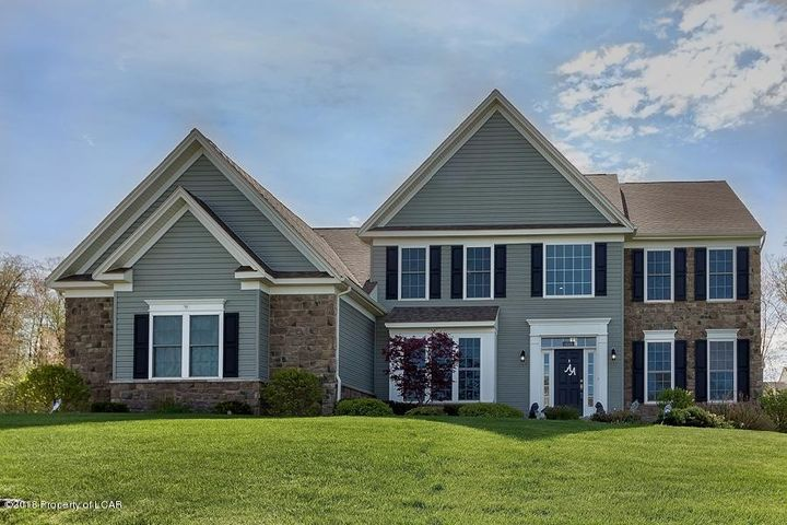 1103 Woodberry Drive, Mountain Top, PA 18707