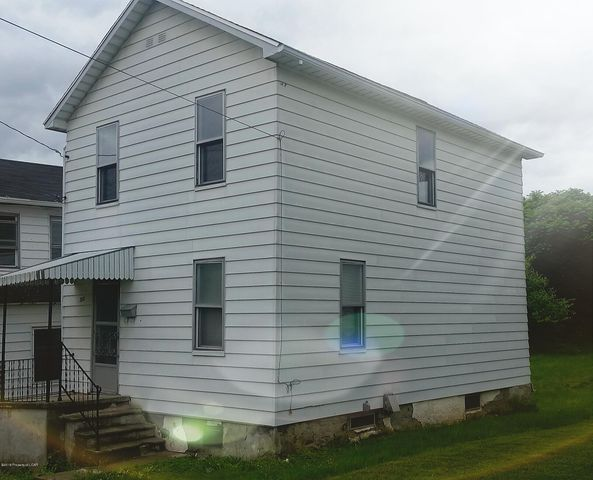 365 Carver St, Plymouth, PA 18651