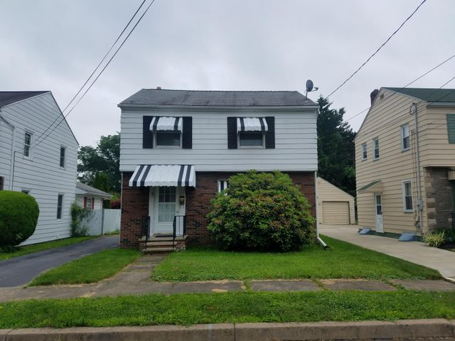 67 Milton Ter, Kingston, PA 18704