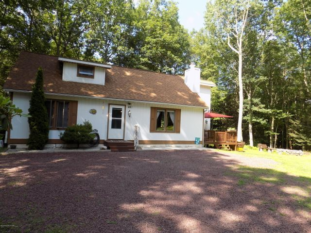 40 Shade Tree Rd, White Haven, PA 18661