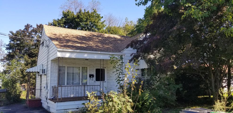 42 Florida Ave., West Wyoming, PA 18644