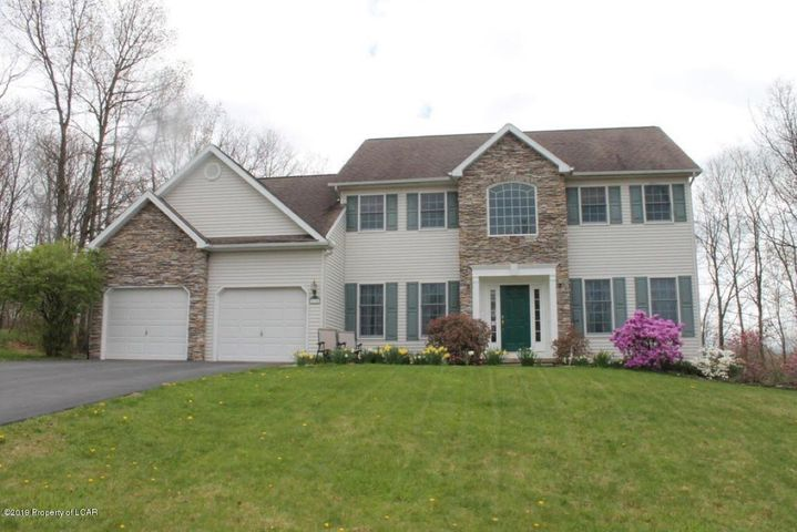 214 Emily Lane, Dallas, PA 18612