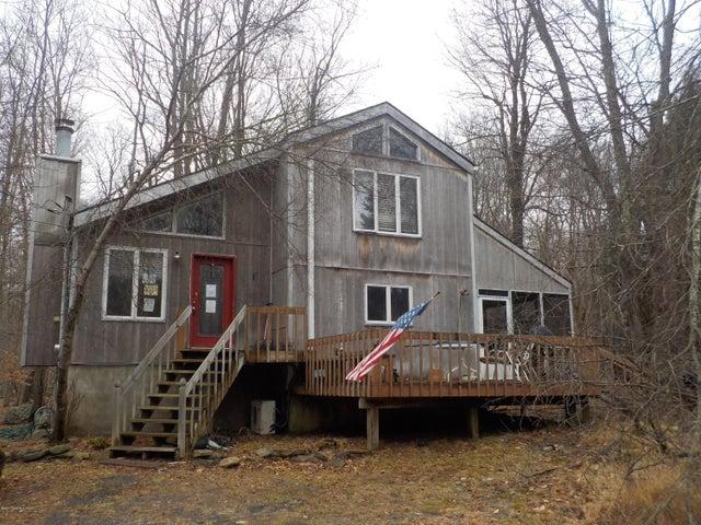 150 S Lehigh River Drive, Gouldsboro, PA 18424