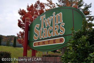 1170 Twin Stacks Drive, Dallas, PA 18612