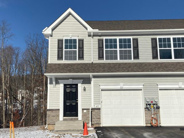 407 Couple Court Drive, Drums, PA 18222
