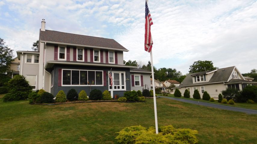 8 West Center St., Shavertown, PA 18708