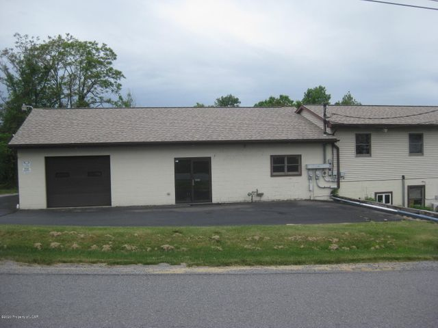 R1145 Oak Street, Pittston, PA 18640