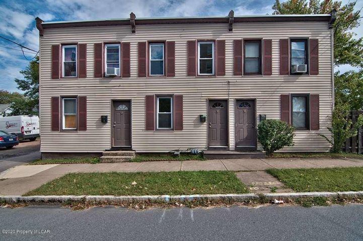 16 Pine St, Wilkes-Barre, PA 18705