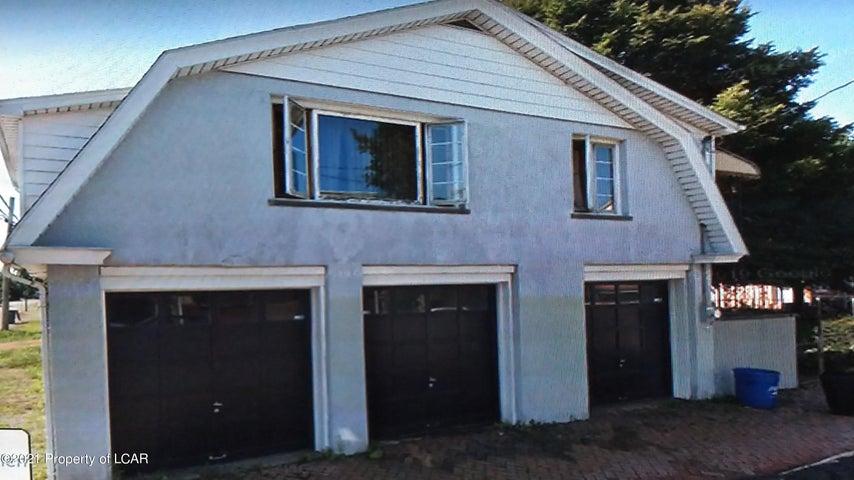 30 W 10th Street, Hazleton, PA 18201