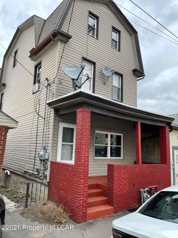 133 E Chestnut Street, Hazleton, PA 18201