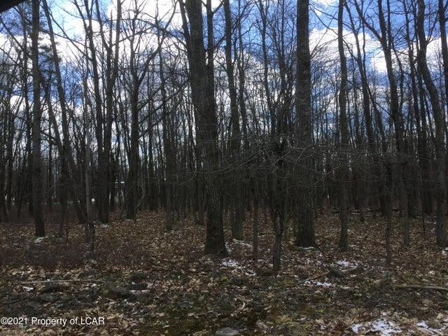 194 Winged Foot Drive, Hazle Twp, PA 18202