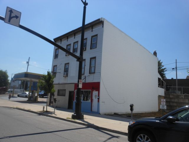 132 Broad Street