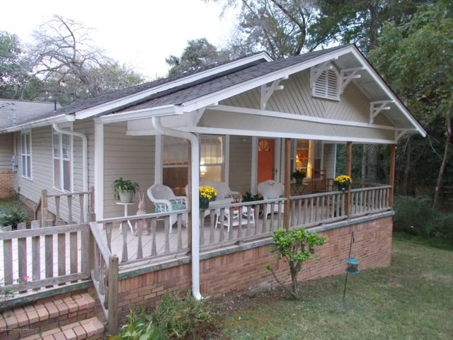 Beautiful, Large Porch with Undovered Patio