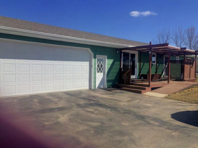 2201 127th Ave NW, Watford City, ND 58854