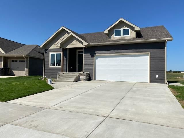 1425 Eagle View Court, Watford City, ND 58854