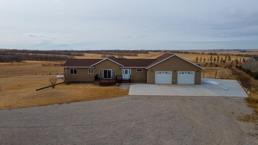 2885 123rd A Ave NW, Watford City, ND 58854
