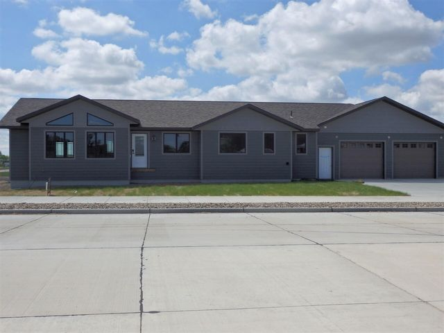 107 11th Ave. NW, Watford City, ND 58854