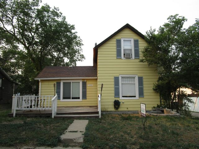 304 2nd Ave NW, Watford City, ND 58854