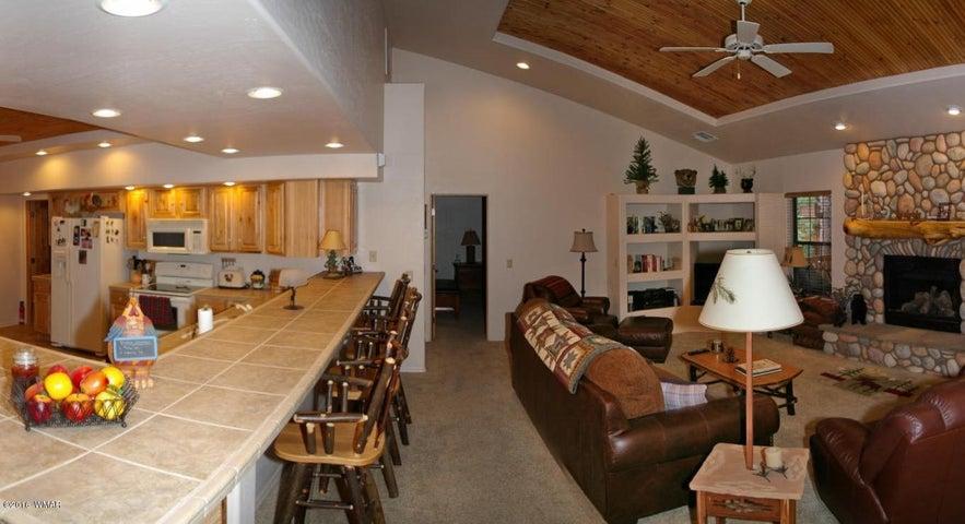 2233 North Wind Drive, Pinetop, AZ 85935