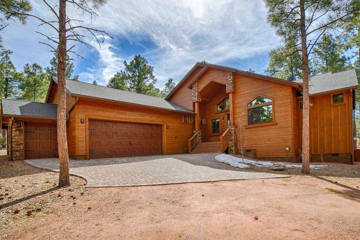 Your Beautiful Mountain Cabin Retreat!