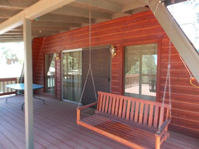 3329 Rim Lakes Drive, Overgaard, AZ 85933