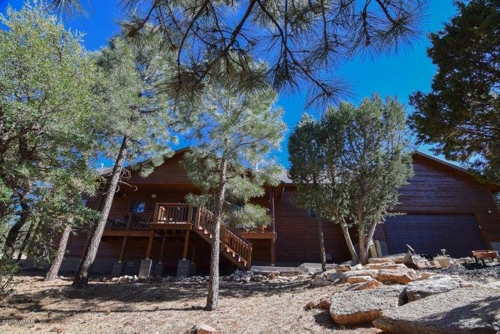 2295 Thunderbird Way, Overgaard, AZ 85933