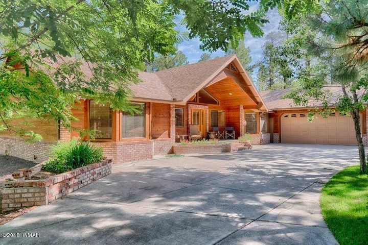 Beautiful Pinetop Country Club Home