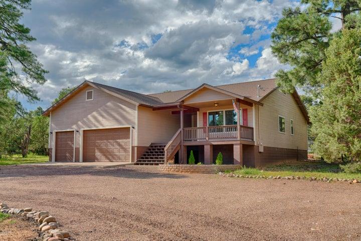 2190 Rimview Trail, Overgaard, AZ 85933