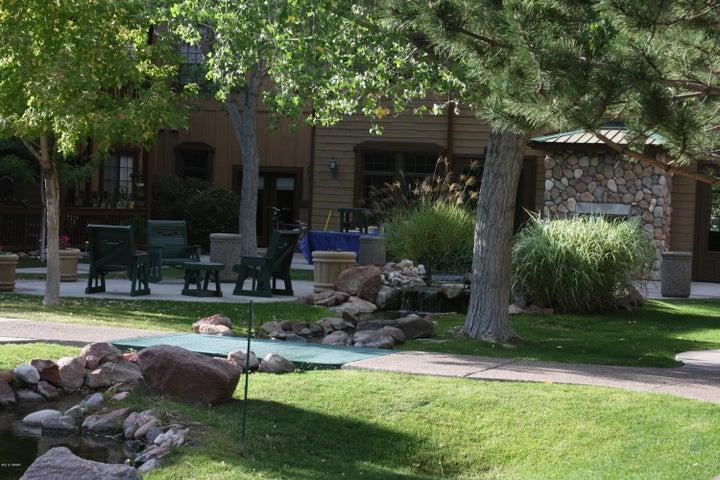 2389 Quarter Horse Trail, Overgaard, AZ 85933