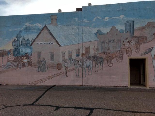 261 Navajo Boulevard, Holbrook, AZ 86025