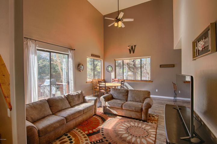 3180 Mark Twain Drive, Pinetop, AZ 85935