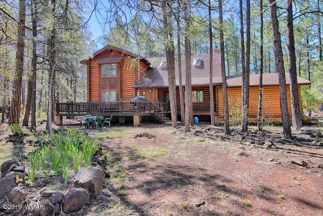 Rear deck, huge forested back yard