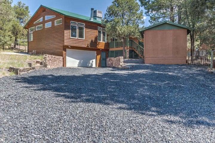 1957 Aspen Circle, Overgaard, AZ 85933